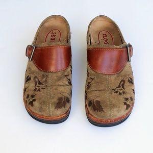 Klogs Austin brown clogs flower leather buckles